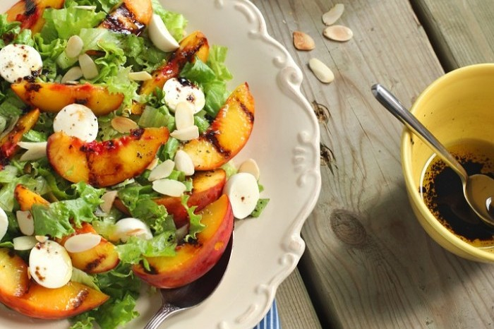 Grilled Peach and Nectarine Salad 700x636