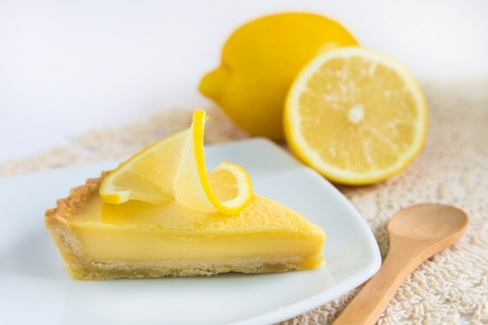 Low Carb Lemon Tart 700x466