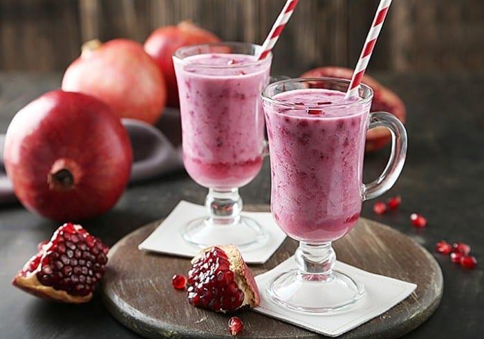 Pomegranate Smoothie 700x490