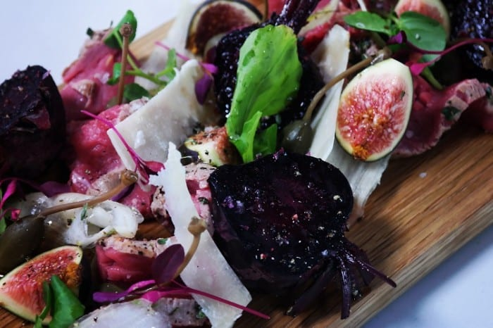 Seared Beef Carpaccio with Fig and Fennel Salad 700x466