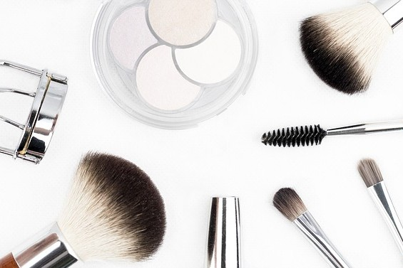 African Beauty Bloggers makeup brush