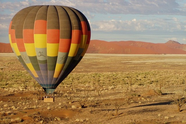 Namibia Travel Guide hot air balloon