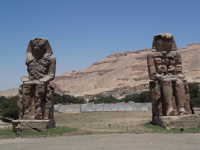 9 Colossi of Memnon