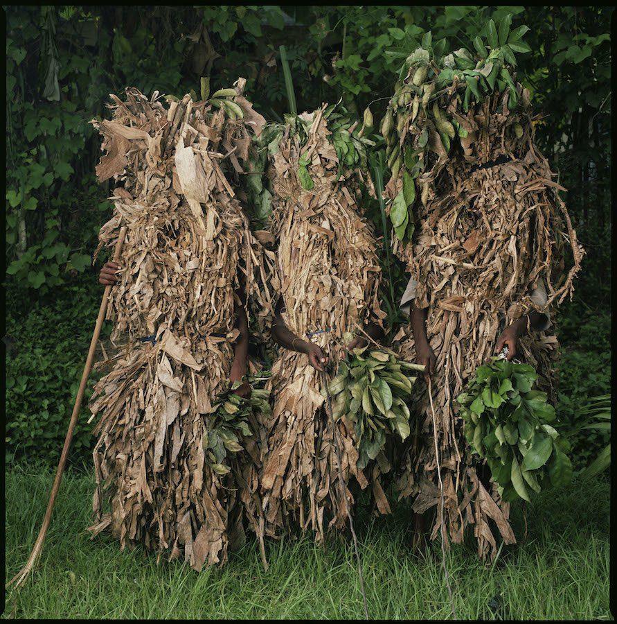 Phyllis Galembo Maske Banana Leaf Masquerade